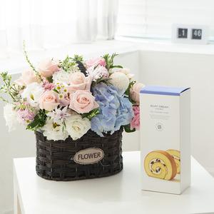 수국장미 꽃바구니 + 롤케익(브랜드)